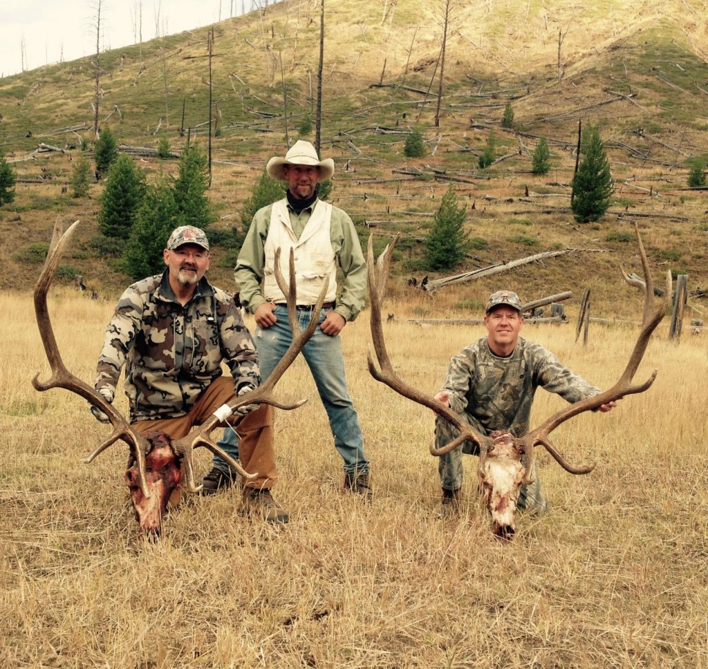 Archery elk hunting in Wyoming with 307 outfitters