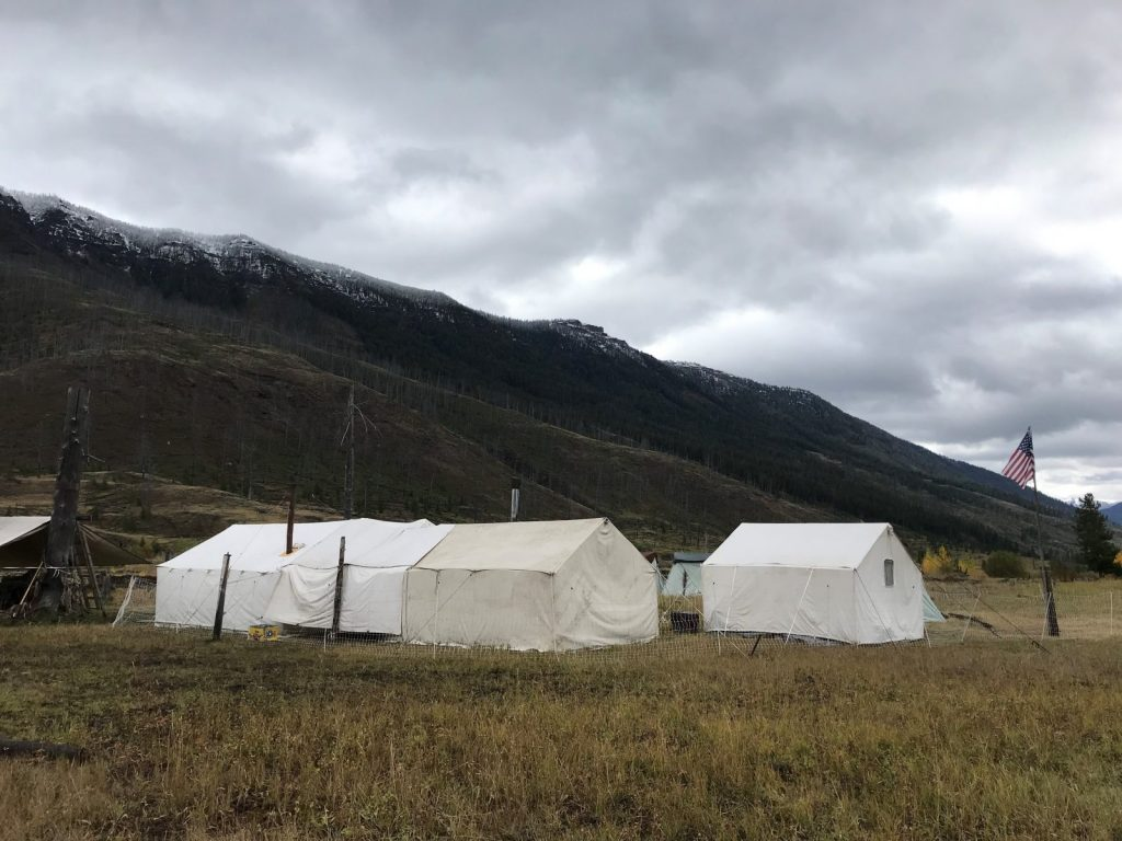 Guided elk hunting on Shoshone National Forest exclusive permittee of Camp areas